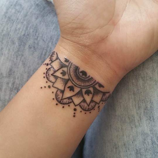 10 Perfect Wrist Tattoo Designs For Fashionable Wrist Eal Care,Matte Dark Red Nail Designs