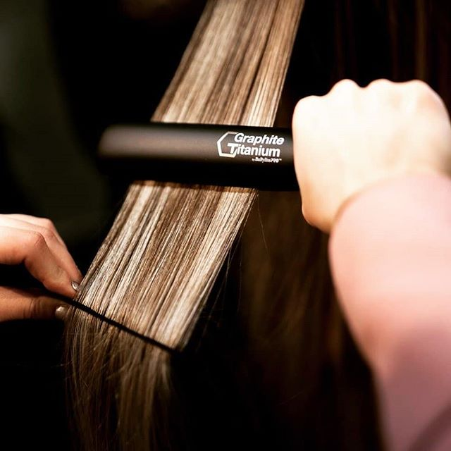 BaBylissPRO Graphite Titanium 1 Ionic Flat Iron Review