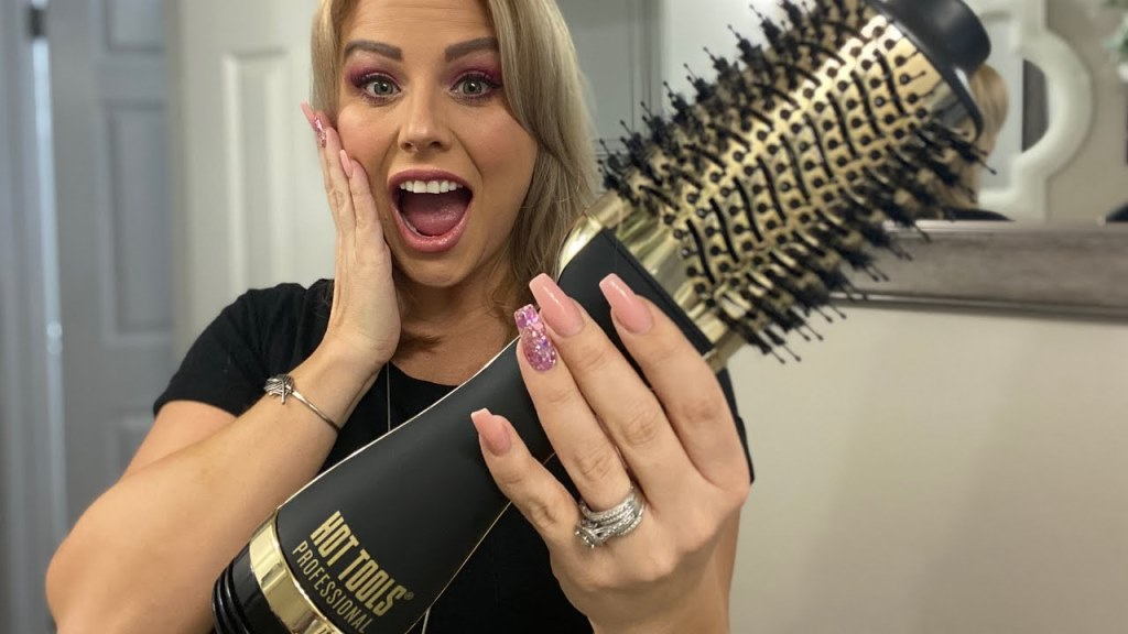 Hot Tools 24k Gold Charcoal Infused One Step Blowout Review