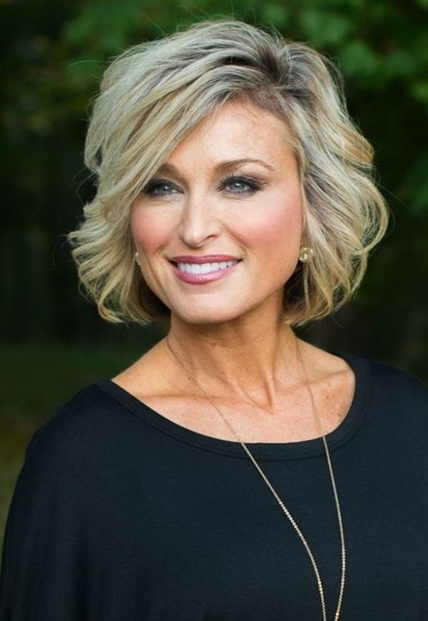 Modern Hairstyles and Haircuts for Women Over 50